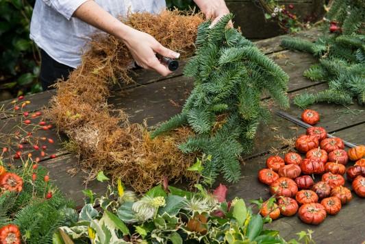wpid4064-Christmas-Wreaths-QWRE008-nicola-stocken.jpg