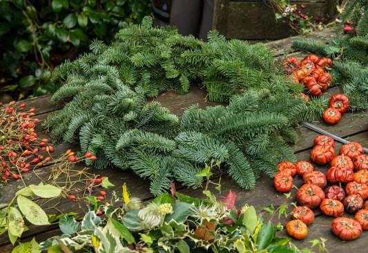 wpid4066-Christmas-Wreaths-QWRE009-nicola-stocken.jpg