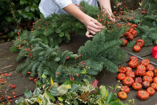 wpid4070-Christmas-Wreaths-QWRE011-nicola-stocken.jpg