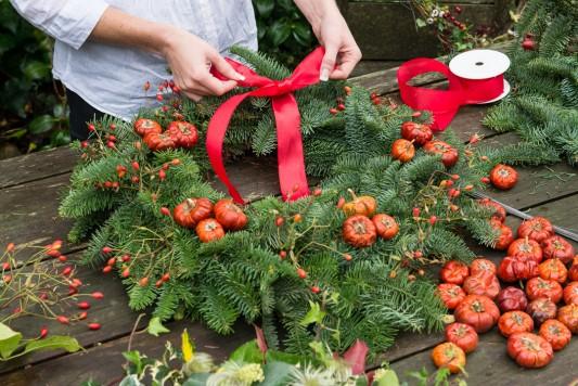 wpid4082-Christmas-Wreaths-QWRE017-nicola-stocken.jpg