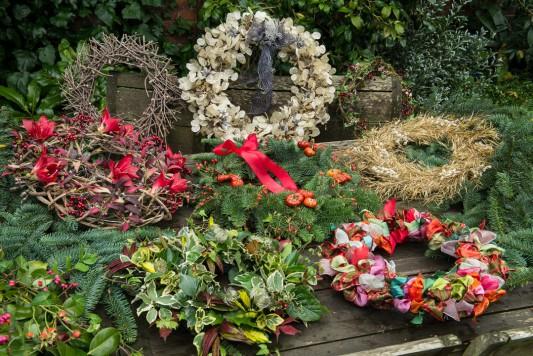 wpid4086-Christmas-Wreaths-QWRE019-nicola-stocken.jpg