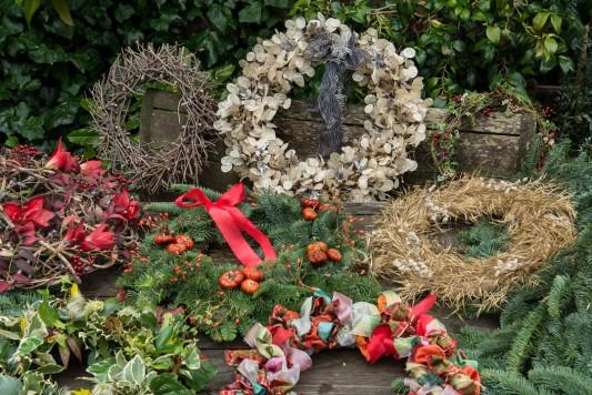 wpid4092-Christmas-Wreaths-QWRE022-nicola-stocken.jpg