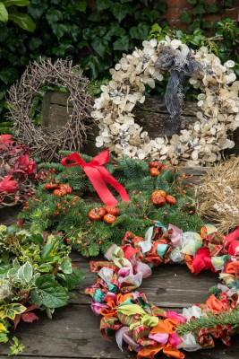 wpid4094-Christmas-Wreaths-QWRE023-nicola-stocken.jpg