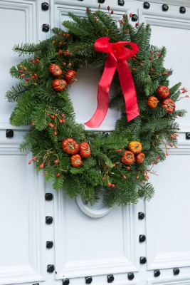 wpid4105-Christmas-Wreaths-QWRE028-nicola-stocken.jpg