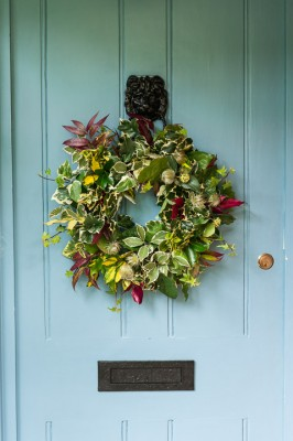 wpid4113-Christmas-Wreaths-QWRE032-nicola-stocken.jpg