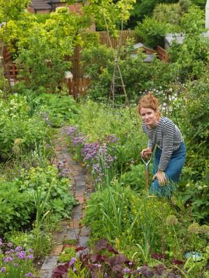 wpid4350-Celebrity-Gardeners-Tips-GALY004-nicola-stocken.jpg