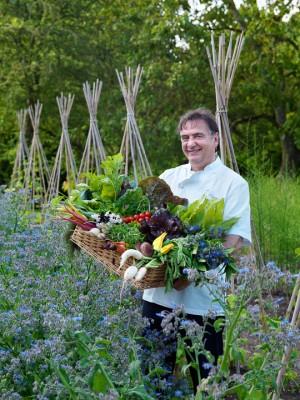 wpid4386-Celebrity-Gardeners-Tips-GRAY013-nicola-stocken.jpg