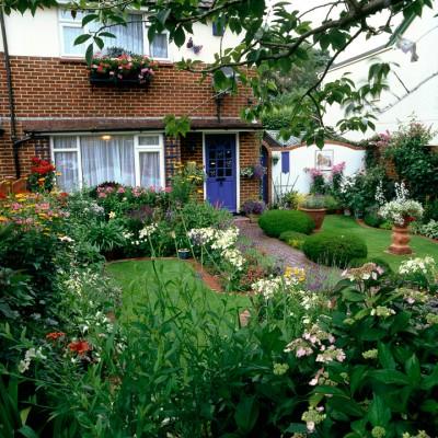 wpid4717-Front-Garden-Design-DFRO019-nicola-stocken.jpg