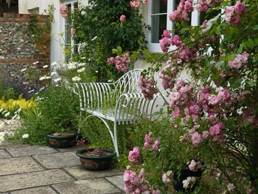wpid4735-Front-Garden-Design-GBAY026-nicola-stocken.jpg