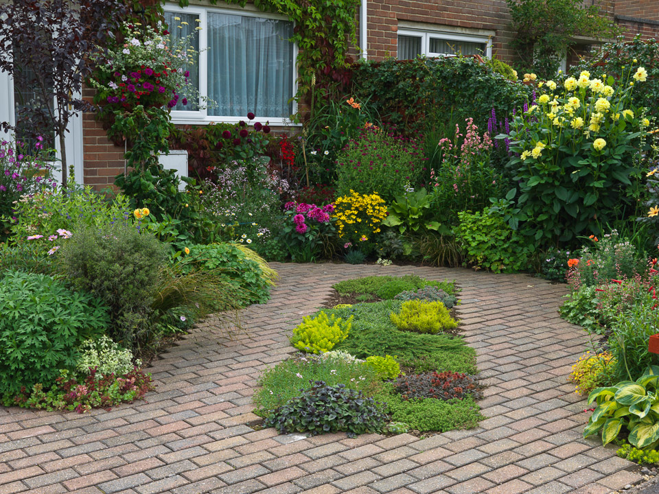 Front garden design for Front landscape design