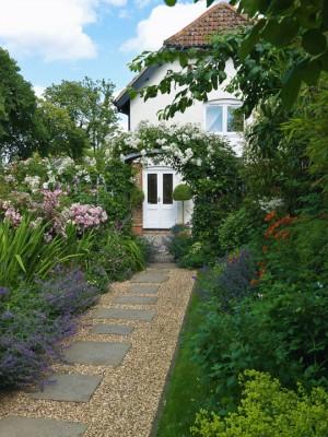 wpid4755-Front-Garden-Design-GLIN081-nicola-stocken.jpg