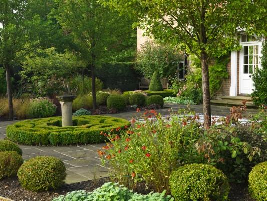wpid4761-Front-Garden-Design-GOLM025-nicola-stocken.jpg