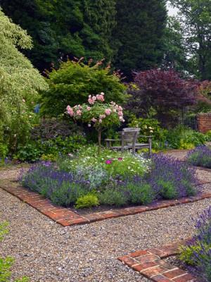 wpid4826-High-Summer-Garden-GGLO095-nicola-stocken.jpg