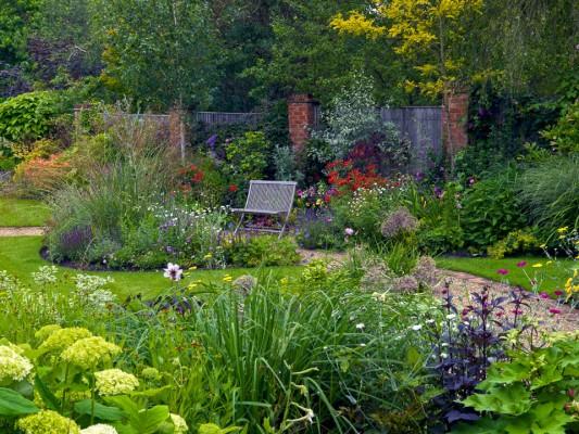 wpid4852-High-Summer-Garden-GGLO111-nicola-stocken.jpg