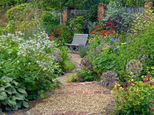 wpid4854-High-Summer-Garden-GGLO112-nicola-stocken.jpg