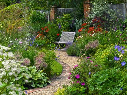 wpid4856-High-Summer-Garden-GGLO113-nicola-stocken.jpg