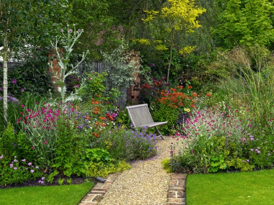 wpid4858-High-Summer-Garden-GGLO114-nicola-stocken.jpg