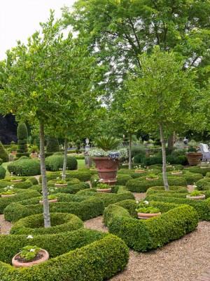 wpid5864-Topiary-Garden-GOLR006-nicola-stocken.jpg