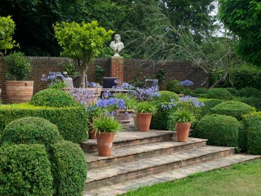 wpid5874-Topiary-Garden-GOLR011-nicola-stocken.jpg