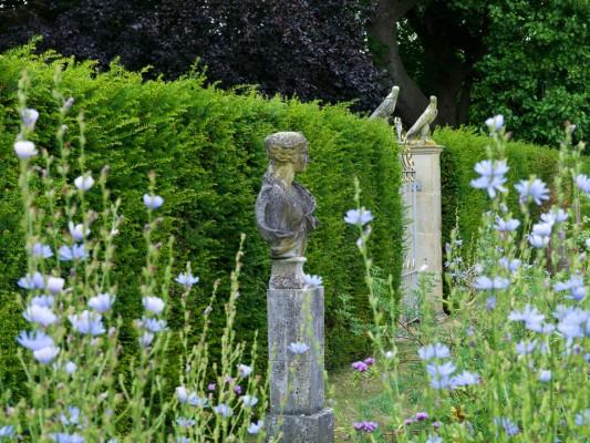 wpid5886-Topiary-Garden-GOLR017-nicola-stocken.jpg