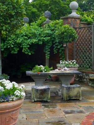 wpid5888-Topiary-Garden-GOLR018-nicola-stocken.jpg