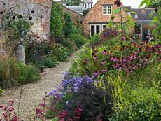 Thumbnail image for Bretforton Manor in October