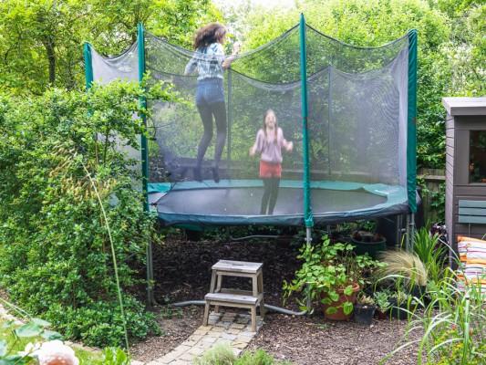 wpid8828-Childrens-Gardens-GROB004-nicola-stocken.jpg