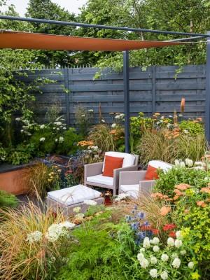 wpid8896-Colour-in-the-Garden-DESI610-nicola-stocken.jpg