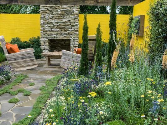 wpid8898-Colour-in-the-Garden-DESI615-nicola-stocken.jpg