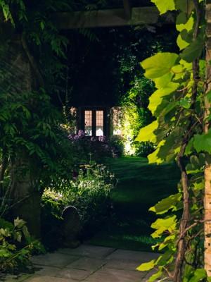 wpid8998-Garden-Lighting-GBOX068-nicola-stocken.jpg