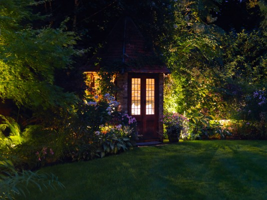 wpid9004-Garden-Lighting-GBOX073-nicola-stocken.jpg