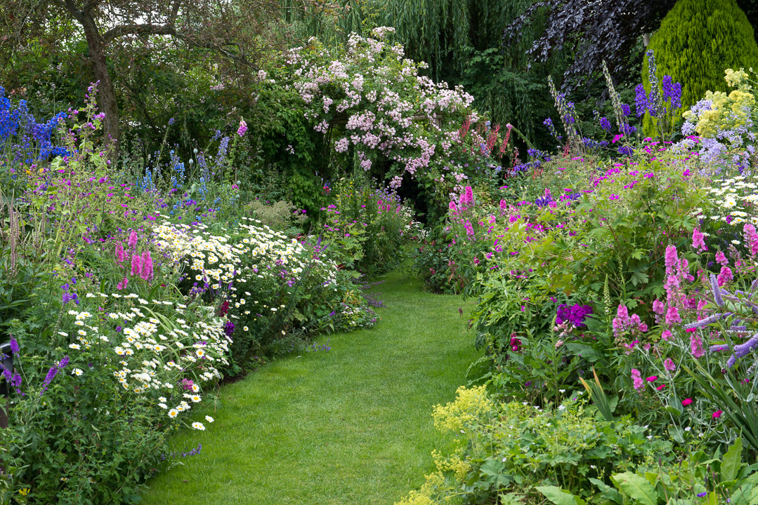 Cottage Gardens: Cottage Garden Style