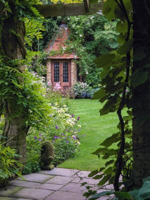 wpid10009-Garden-Rooms-with-a-View-GBOX052-nicola-stocken.jpg