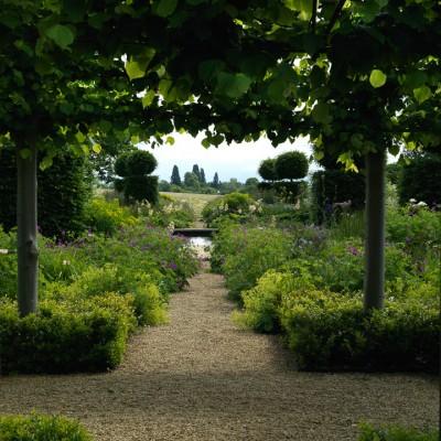 wpid10013-Garden-Rooms-with-a-View-GBRU016-nicola-stocken.jpg