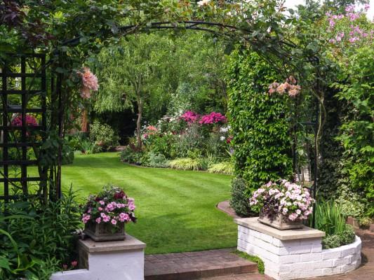 wpid10015-Garden-Rooms-with-a-View-GBYF047-nicola-stocken.jpg
