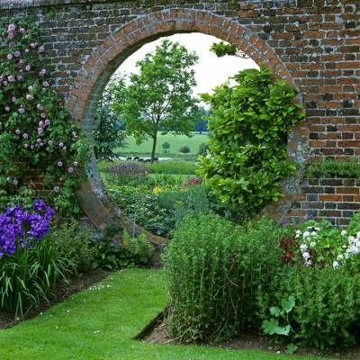 wpid10017-Garden-Rooms-with-a-View-GCLA061-nicola-stocken.jpg