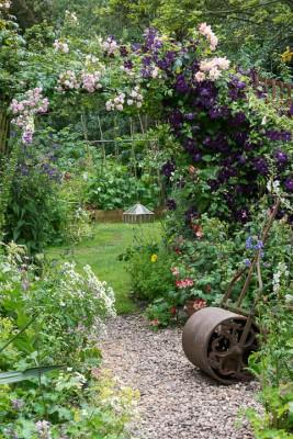wpid10033-Garden-Rooms-with-a-View-GHGH063-nicola-stocken.jpg