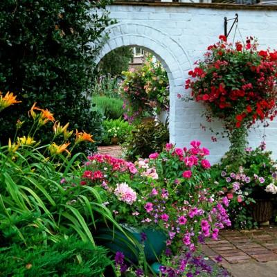 wpid10037-Garden-Rooms-with-a-View-GHIL010-nicola-stocken.jpg
