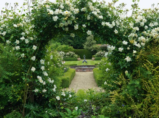 wpid10041-Garden-Rooms-with-a-View-GMAR030-nicola-stocken.jpg