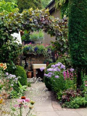 wpid10069-Garden-Rooms-with-a-View-GWAL043-nicola-stocken.jpg