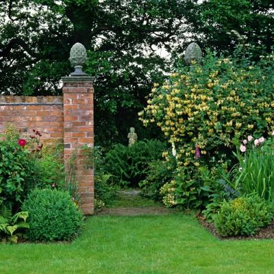 wpid10075-Garden-Rooms-with-a-View-GWIK045-nicola-stocken.jpg