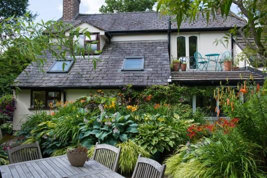 wpid10199-Brooke-Cottage-in-August-GBRK003-nicola-stocken.jpg