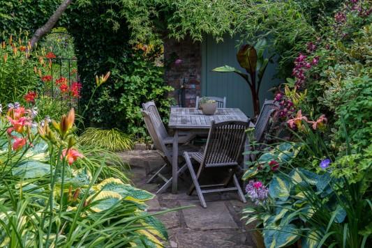 wpid10211-Brooke-Cottage-in-August-GBRK011-nicola-stocken.jpg