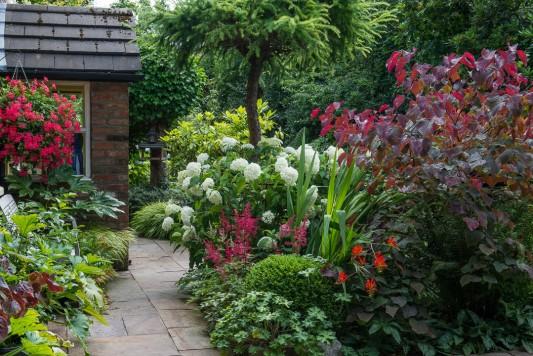 wpid10245-Brooke-Cottage-in-August-GBRK040-nicola-stocken.jpg