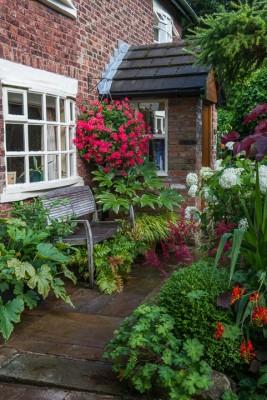 wpid10247-Brooke-Cottage-in-August-GBRK042-nicola-stocken.jpg