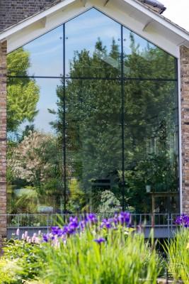 wpid10311-Field-House-Garden-in-May-GFIE004-nicola-stocken.jpg