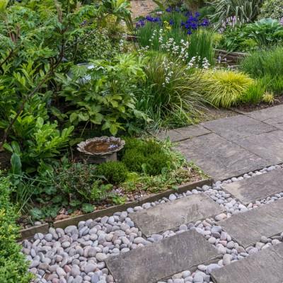 wpid10339-Field-House-Garden-in-May-GFIE018-nicola-stocken.jpg