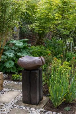 wpid10351-Field-House-Garden-in-May-GFIE024-nicola-stocken.jpg
