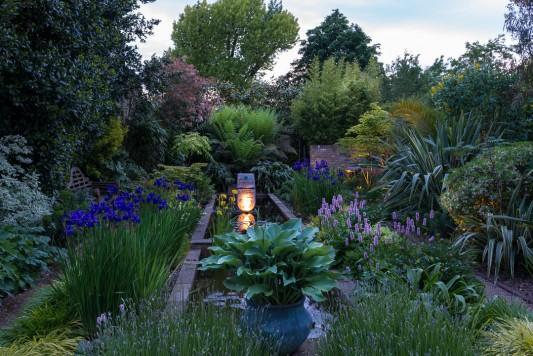 wpid10362-Field-House-Garden-in-May-GFIE029-nicola-stocken.jpg