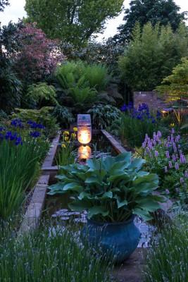 wpid10364-Field-House-Garden-in-May-GFIE030-nicola-stocken.jpg